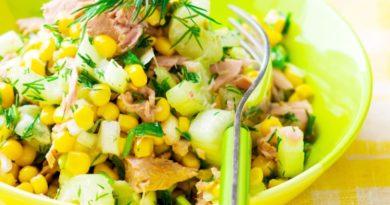 Аппетитный салат с тунцом и кукурузой