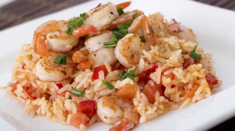 Жареный рис с креветками по-малаккски