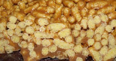 Десерт из кукурузных палочек со сгущёнкой и семечками