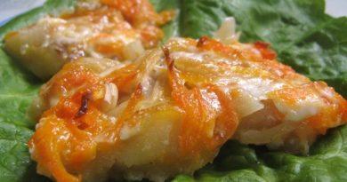 Рыба, запеченная с морковью