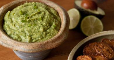 Гуакамоле,соус из авокадо.
