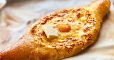 Хачапури по-аджарски с сыром в духовке