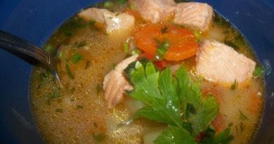 Быстрый рыбный обед(уха из хвостов лосося)