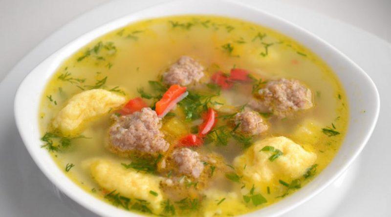 Суп с мясными клецками