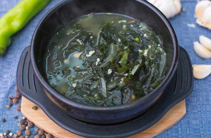 """Миёккук"" - суп из морской капусты"