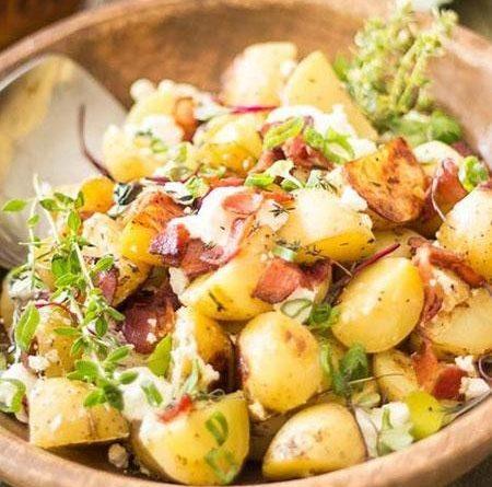 Теплый картофельный салат с телятиной