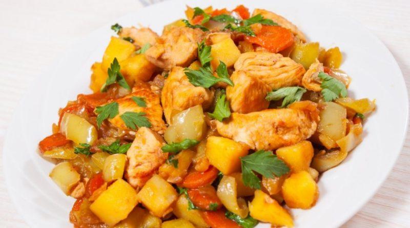 Курица с соленым лимоном и морковь с арахисом