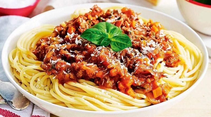"""Спагетти с подливой"""