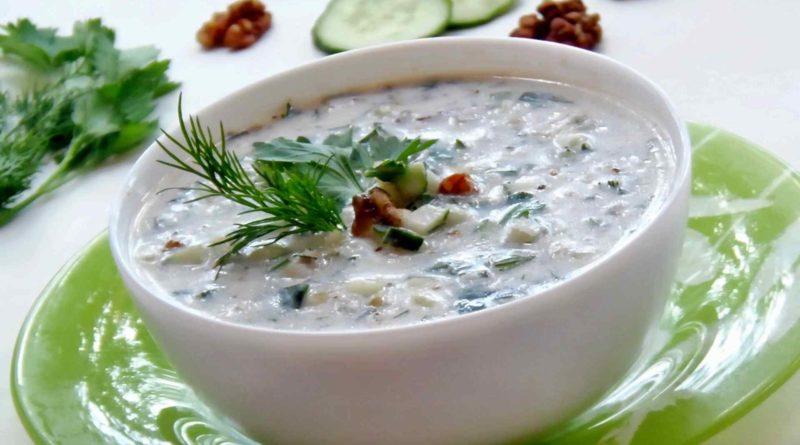 """Холодный суп """"Таратор"""" с рисом"""