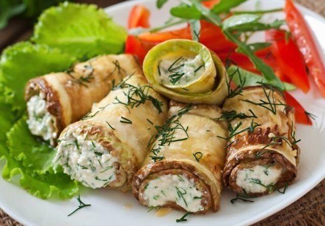 Рулетики из кабачков со сливочным сыром