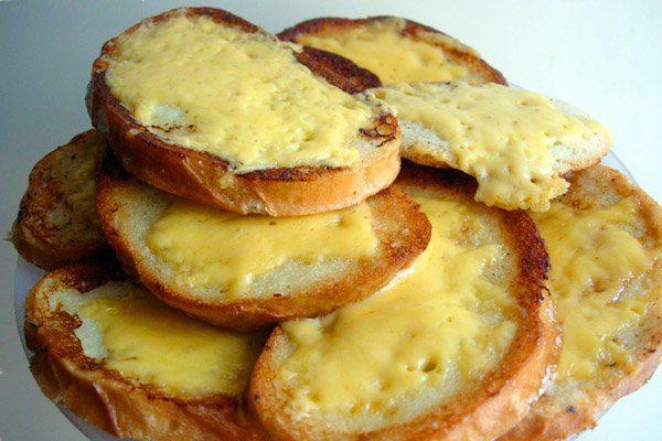 Гренки с сыром за 5 минут