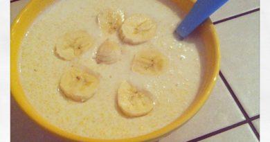 Молочная кукурузная каша с бананом