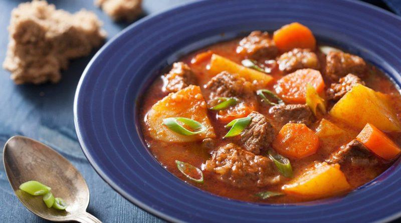 Рагу из говядины с овощами и сметаной