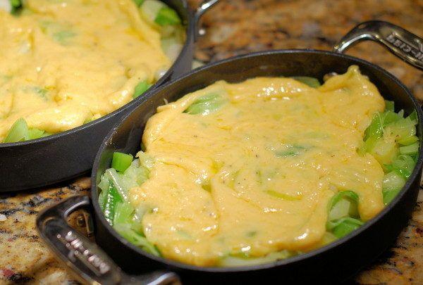 Лук-порей в сливках, запеченный с сыром