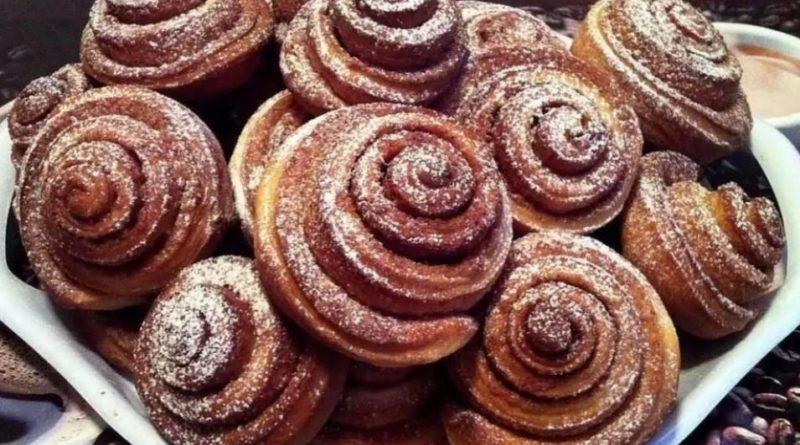 Быстрые сахарные слойки с корицей