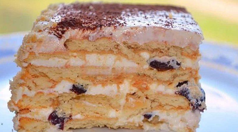 Торт без выпечки, с творогом и черносливом