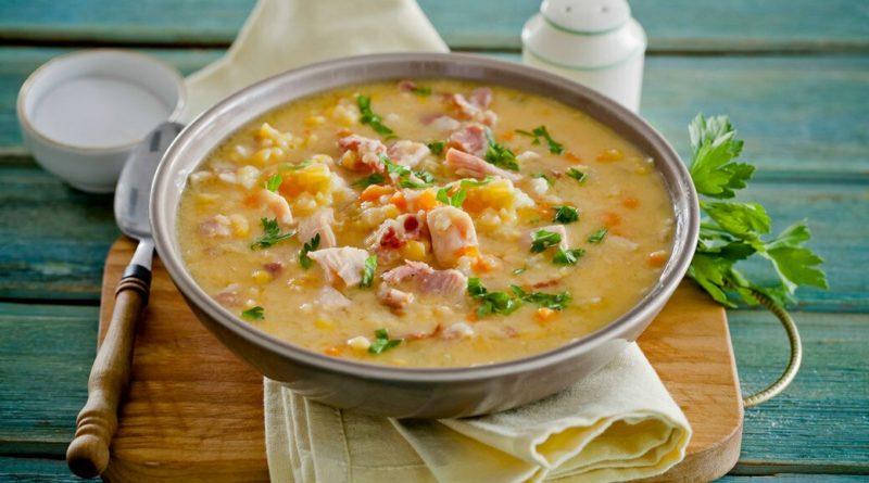 Суп со свиной тушёнкой и консервированным горошком