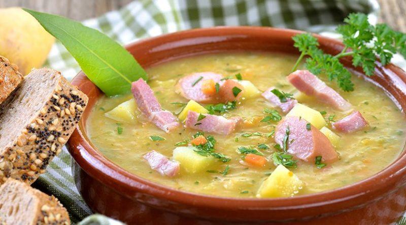 Овощной суп с ветчиной, горошком и плавленым сыром