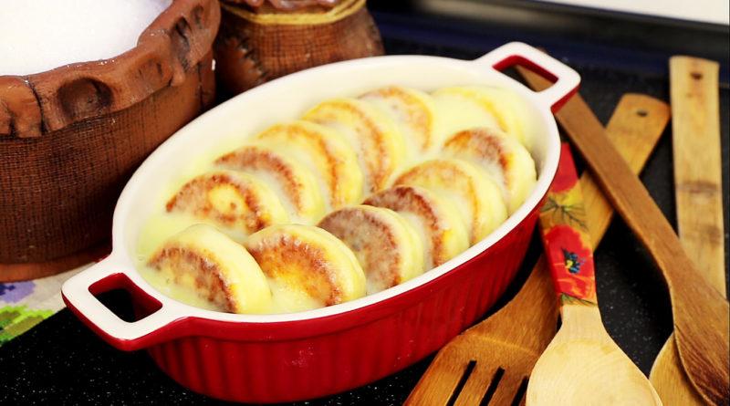 Сырники под нежным сметанным соусом