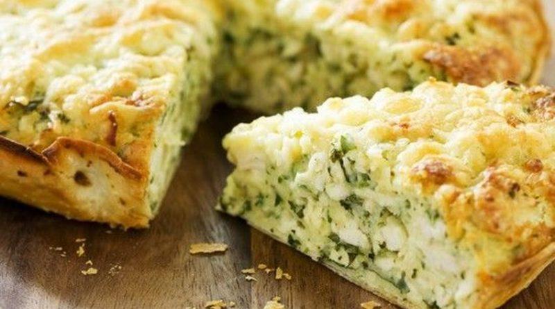 Рецепт чесночного пирога с зеленью и сыром